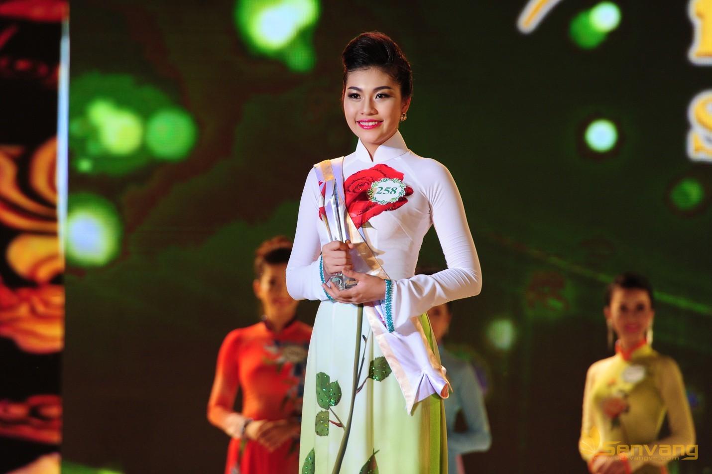 Á khôi 2 Vương Thanh Tuyền
