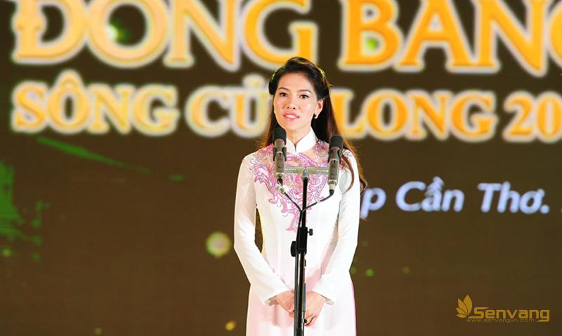 Bà Phạm Kim Dung- Tổng GĐ Công ty Sen Vàng – Trưởng BTC phát biểu.
