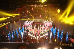lien-hoan-phim-viet-nam-19-san-khau-showbizvn-2122015-6