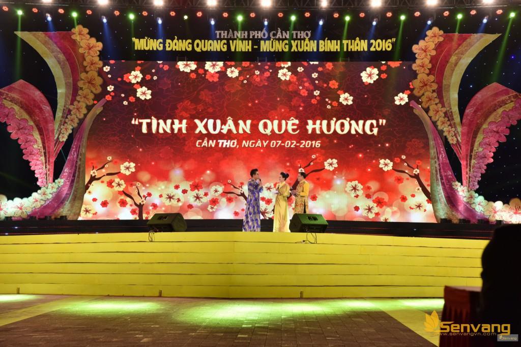 MC Thanh Bạch bất ngờ xuất hiện với vai trò MC khách mời, tung hứng cùng MC Ngọc Diễm và Kỉnh Hào