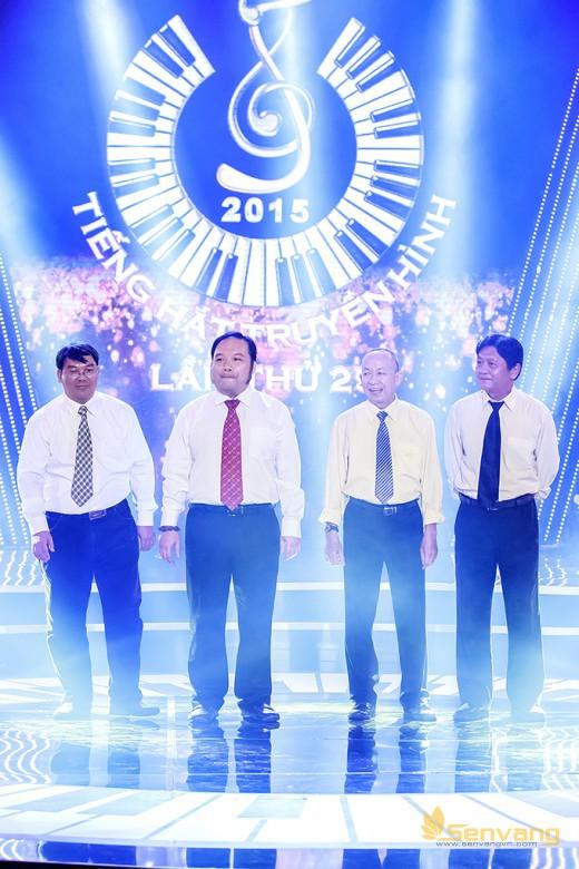 Các thành viên ban nhạc đã góp phần không nhỏ trong từng tiết mục của các thí sinh: nghệ sĩ trống Thanh Sơn, nghệ sĩ Guitar bass Lý Được, nhạc sĩ Minh Mẫn và nhạc sĩ Nguyễn Hà
