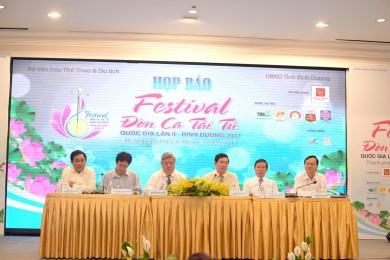 Thanh phan Ban to chuc Festival Don ca tai tu