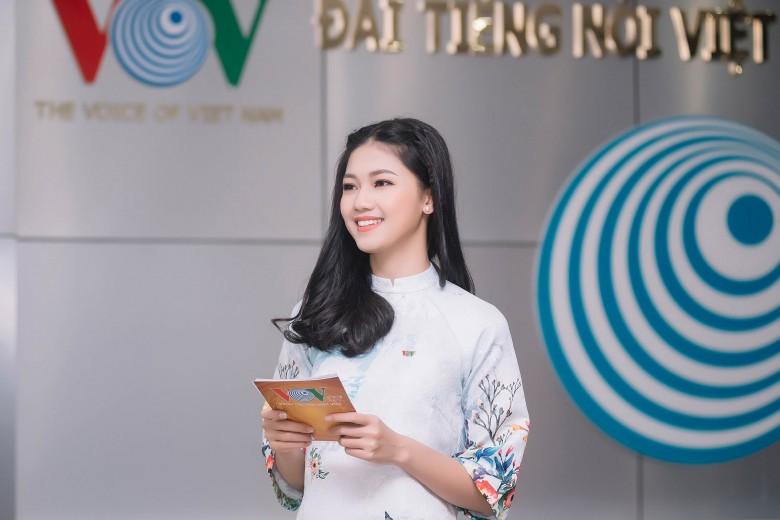 Thanh Tu dan chuong trinh cho VOV (37)