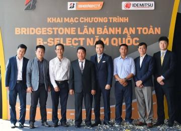 Đại diện Bridgestone, B-select Năm Quốc và các đối tác tại sự kiện.