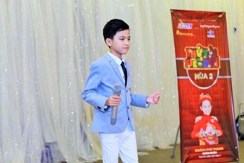 Không chỉ chia sẻ kinh nghiệm khi dự thi mùa trước, Quách Phú Thành còn dành tặng cho phụ huynh và các thí sinh một bài hát dân  ca Miền Tây quê tôi và bài vọng cổ Nội tôi.