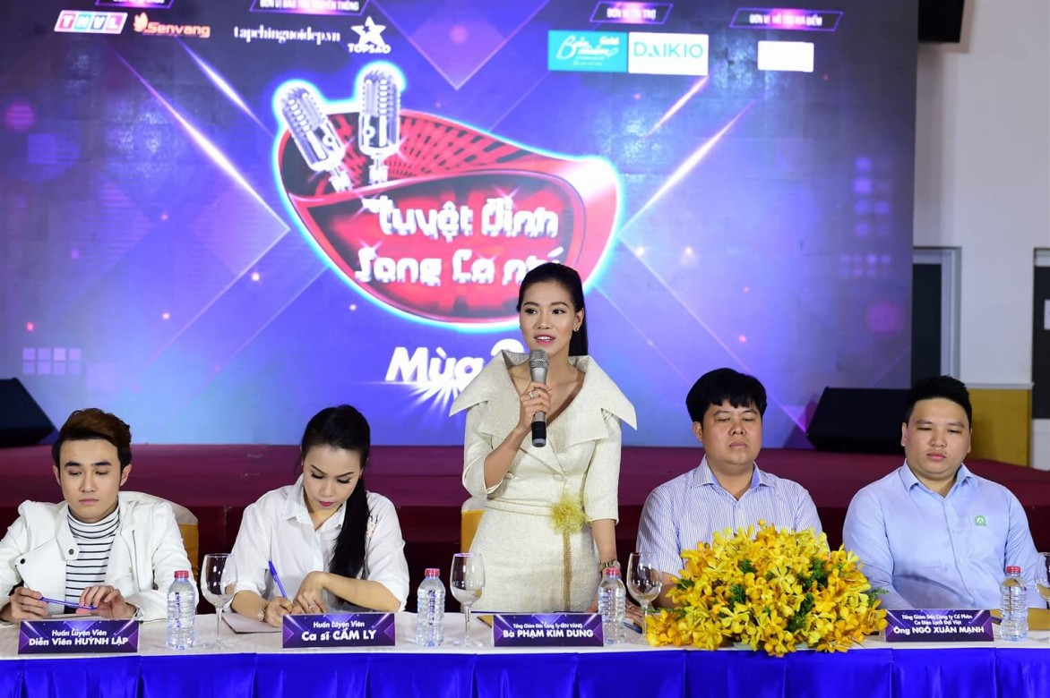 Huan-luyen-vien-Tuyet-dinh-song-ca-nhi-2018-hop bao (8)